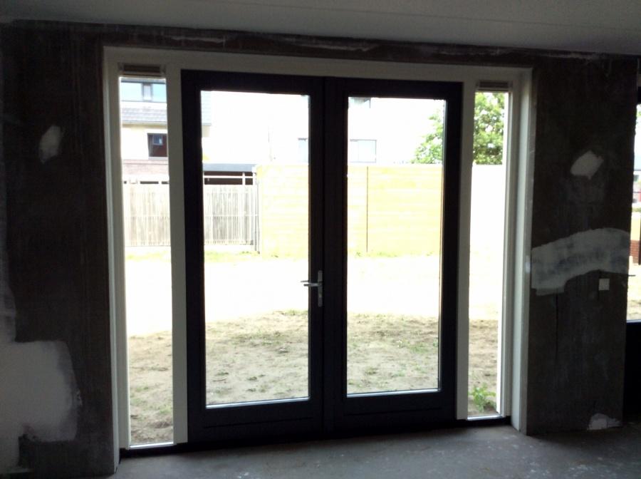 Raamdecoratie Openslaande Deuren : Populair houten jaloezieen openslaande deuren uz27 belbin.info